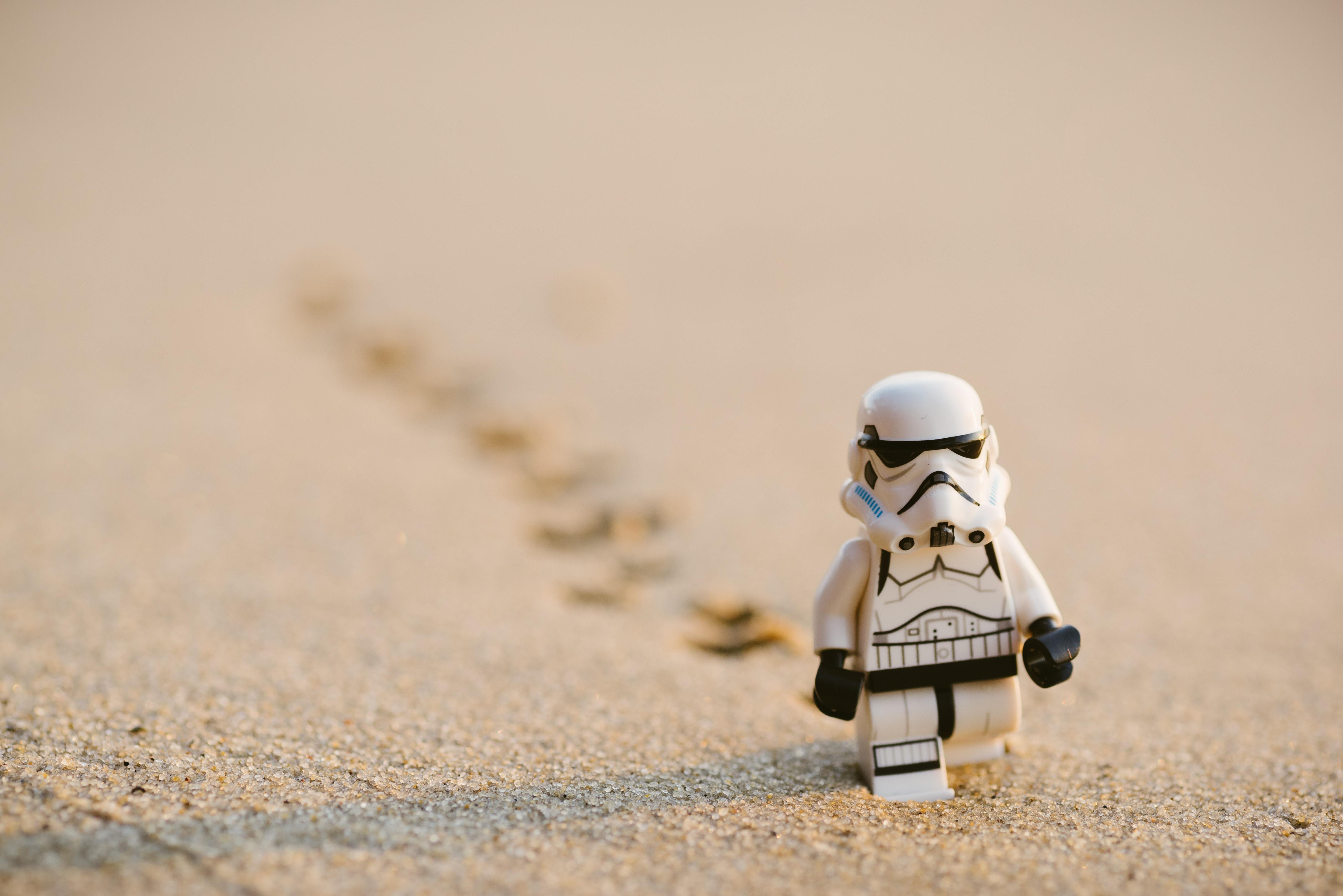 Storm trooper migrating