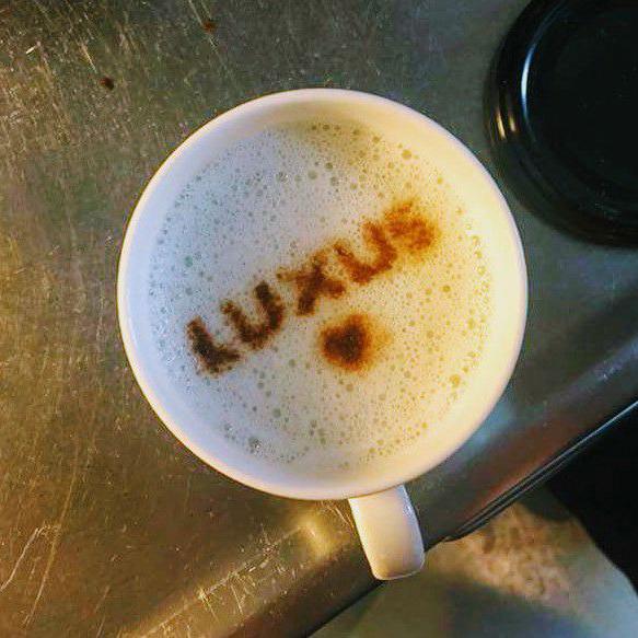 1x-helsinki-luxus-coffee-mug